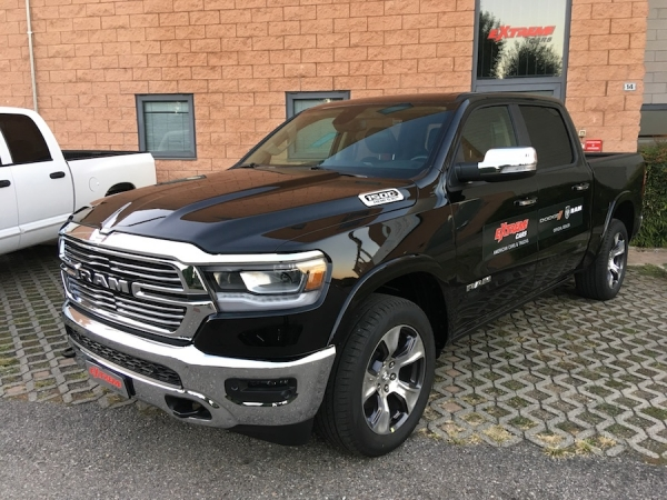 RAM 1500 LARAMIE BLACK C FULL OPT